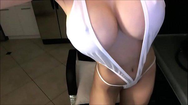 Пышногрудая учительница пред камерой даёт занятие мастурбации самотыком